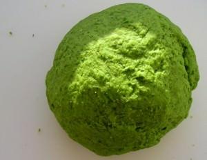 Тесто на отваре зелени - очень эффективная насадка для белого амура