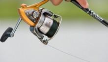 Спиннинг в руках рыболова
