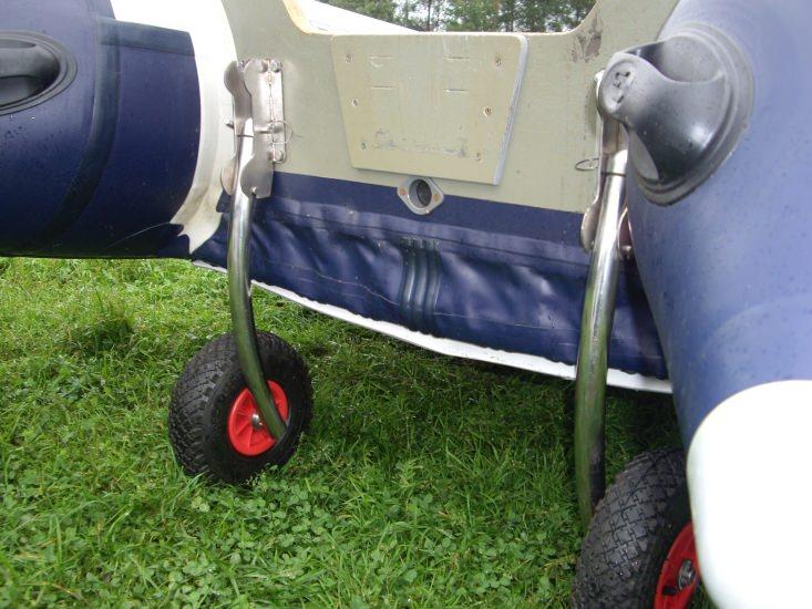 установка транцевых колес на лодку флагман
