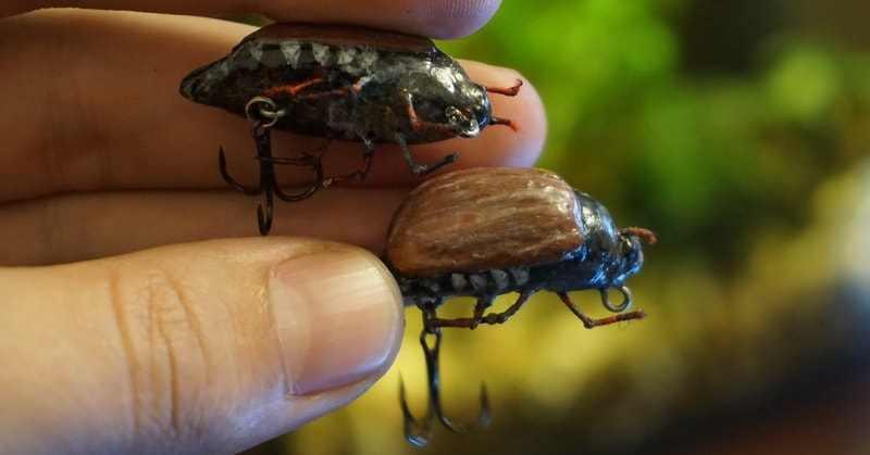 Воблер Майский жук на голавля