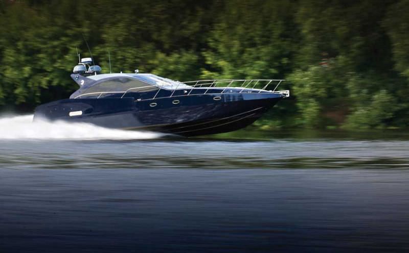 Лодка с водометом